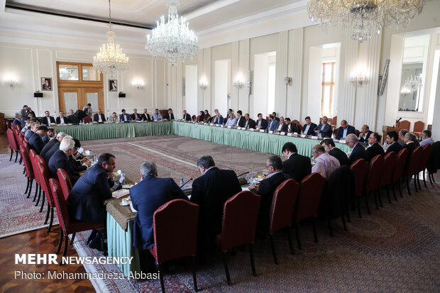 Committee of coordinating foreign economic relations holds meeting