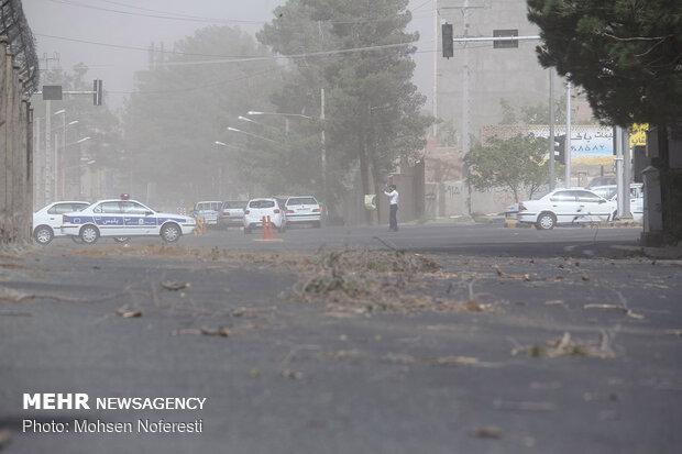 خسارات طوفان گرد و غبار در بیرجند