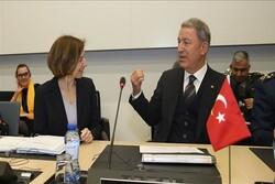 محورهای رایزنی وزرای دفاع ترکیه و فرانسه