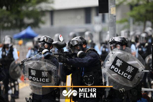 Hong Kong'ta polisten biber gazlı müdahale