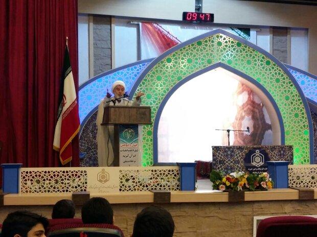 قرآن کریم به برکت انقلاب اسلامی از مهجوریت درآمد