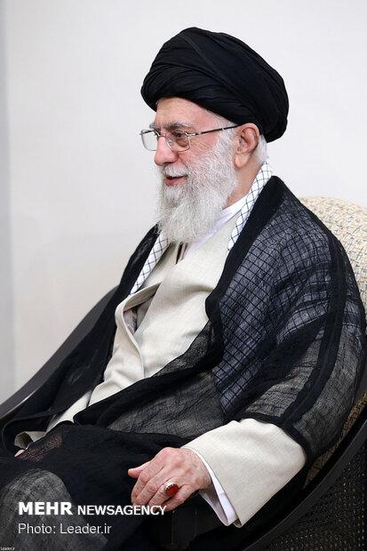 Ayat. Khamenei's meeting with Palestinian delegation