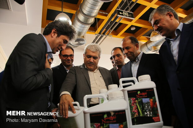 Mehr News Agency - VP visits knowledge-based firms, inaugurates project in N. Khorasan