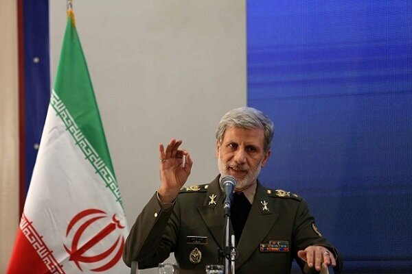 Defense min. slams US sanctions on Iranian Armed Forces cmdrs.