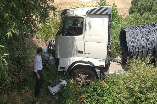 حادثه خونین رانندگی در محور بستان آباد- میانه / ۳ نفر کشته شدند