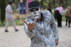اجرای سی و نهمین جشنواره تئاتر خیابانی در پهنه رودکی آغاز شد
