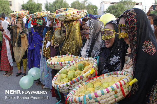 مهرجان المانجا والياسمين في ميناب جنوب إيران