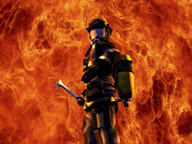 مهار حریق در خیابان خیام/ انبار لوازم خانگی در آتش سوخت
