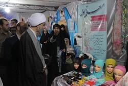 نمایشگاهی برای معرفی کارکردهای نماز جمعه/  جوانان استقبال کردند