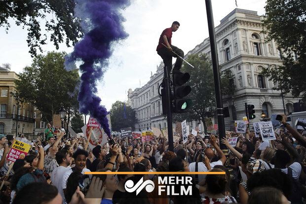 تظاهرات علیه نخست وزیری بوریس جانسون