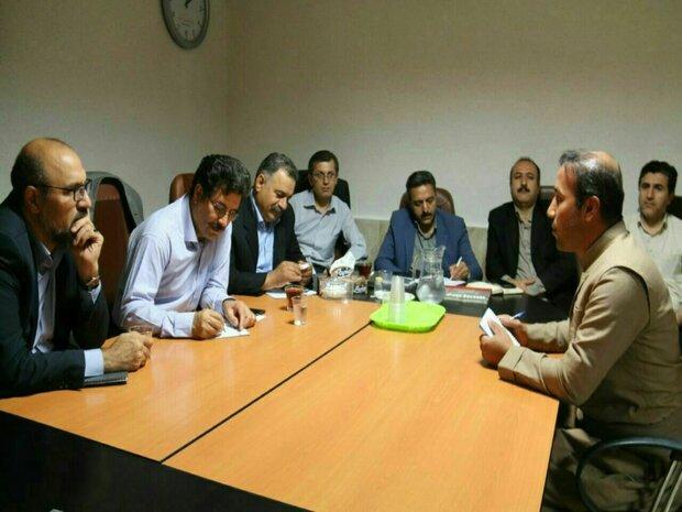 مدیران اجرایی سنندج در نماز جمعه مشکلات مردم را بررسی میکنند