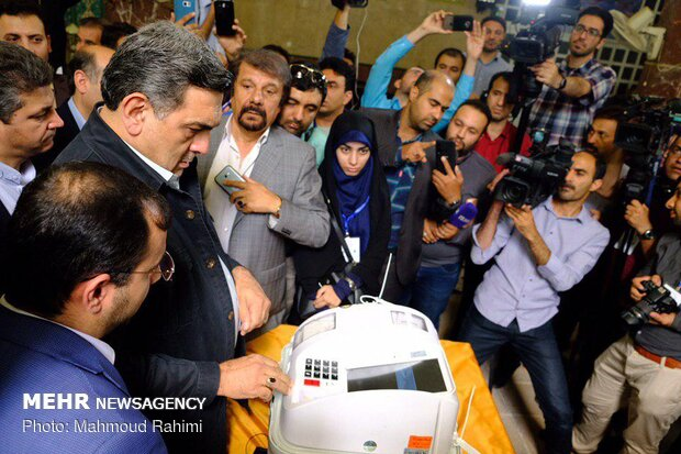 Tehraners go to polls to elect assistants to City Council
