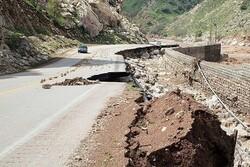 مصائب پسا سیل ادامه دارد/ رانش زمین زیرپای روستاهای لرستان