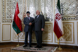 Omani FM in Iran to convey 2 messages, reports say