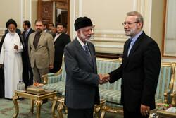 İran Meclis Başkanı Umman Dışişleri Bakanı ile görüştü