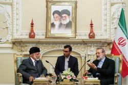 عمان کے وزير خارجہ کی لاریجانی سے ملاقات