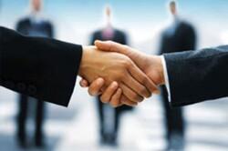 تفاهم تجاری بین ایلام و ۳ استان عراق منعقد شد