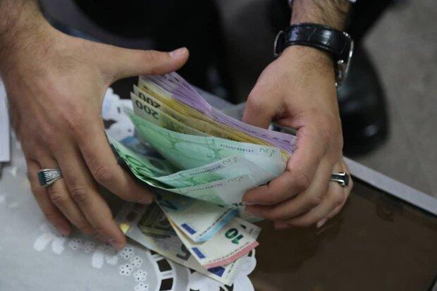 نرخ رسمی دلار ثابت ماند/ادامه روند کاهشی قیمت یورو و پوند