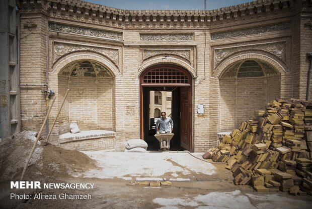 Reconstruction of mosques in Iran's Shahroud