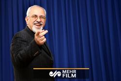 ظریف: ایران با کسی تعارف ندارد