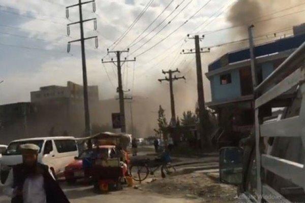 کابل میں پولیس کی گاڑی کو بم دھماکے سے نشانہ بنایا گیا
