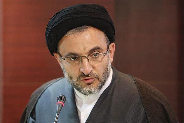 مانند دوران موقوفه «ربع رشیدی» علم باید از ایران منتقل شود