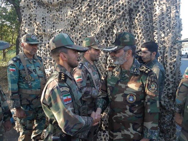 سرلشکر موسوی از گروه ۱۱ توپخانه ارتش در مراغه بازدید کرد