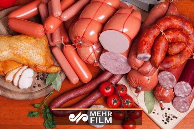 در صورت نیاز از گوشت گربه هم سوسیس تولید میکنیم