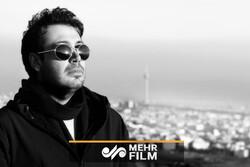 به بهانه تولد محسن چاووشی/ اجرای زنده «متأسفم» در استودیو شخصی