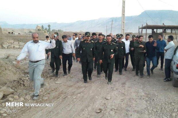 رئیس سازمان بسیج مستضعفین از مناطق سیلزده پلدختر بازدید کرد