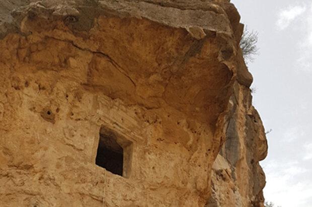 دخمه رحمت برای ثبت در فهرست آثار ملی مستند سازی می شود