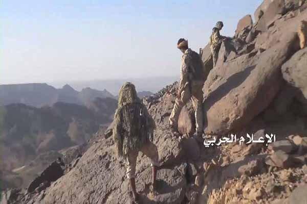 إعطاب مدرعة سعودية وقصف تجمعات المرتزقة بصاروخ زلزال1 في جيزان