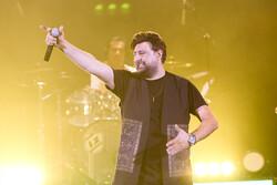 İranlı şarkıcı Muhammed Alizade'nin konserinden kareler