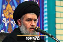 انتقاد تند حجت الاسلام مومنی به روضه خوانهایی که دروغ میگویند