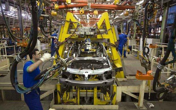 وزیر صنعت برنامه منسجم و مناسبی برای ساماندهی صنعت خودرو ندارد