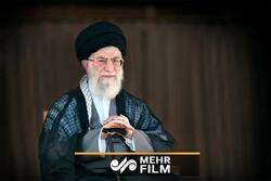 فیلم انتقادات تند اخیر جوان نخبه از وضع کشور در حضور رهبر انقلاب