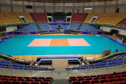 سالنهای ورزشی ادارات استان سمنان واگذار شود