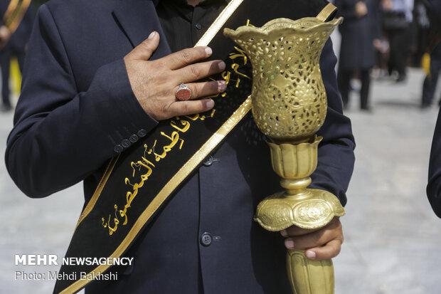 دسته عزاداری خادمان حرم حضرت معصومه (س) در روز شهادت ابن الرضا(ع)