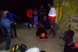نجات کوهنورد دورودی با تلاش نیروهای هلالاحمر در قله «کول جنو» اشترانکوه