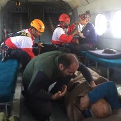 نجات ۷ کوهنورد گرفتار در کوه های چاه برف کرمان