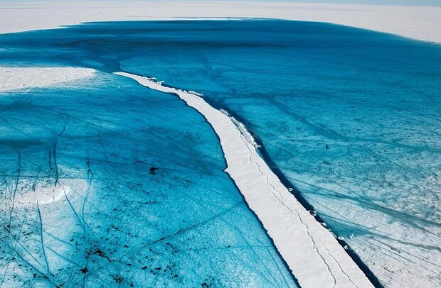 VIDEO: Heatwaves melting billion tons of ice in Greenland