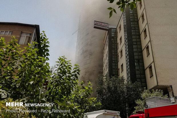 آتش سوزی در برج ۳۰ طبقه در چیتگر