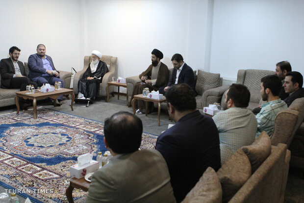 Media managing directors, chief editors meet Sheikh Isa Qassim