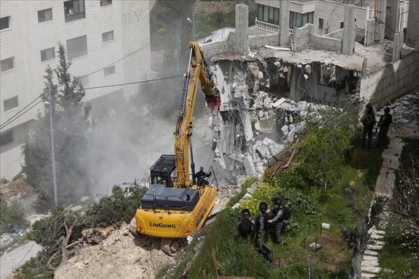 İsrail güçleri Batı Şeria'da Filistinlilere ait evi yıktı