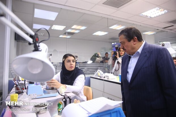 کار دندانپزشکی بدون کمک تکنولوژی پیش نمی رود