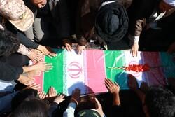 پیکر پدر شهیدان کدخدایی در گلزار شهدای شهر صفائیه آرام گرفت