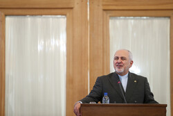 Zarif to leave Tehran for Baku on Tuesday night