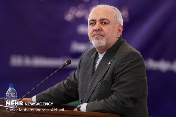 ظريف يعلن عن خارطة طريق لإقامة شراكة استراتيجية شاملة بين طهران وبكين
