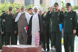 فرمانده کل سپاه از نمایشگاه دستاورد های دانشگاه امام حسین(ع) بازدید کرد
