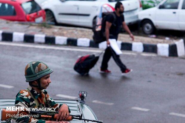 Keşmir'de sıkı güvenlik önlemleri arttı